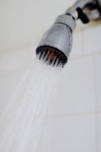 熱いシャワー