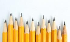 鉛筆の芯のような臭いは加齢臭?